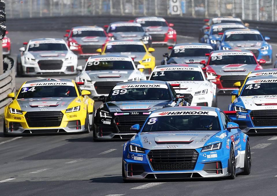 Oglądaj pierwsze zwycięstwo Polaka w serii Audi TT Cup
