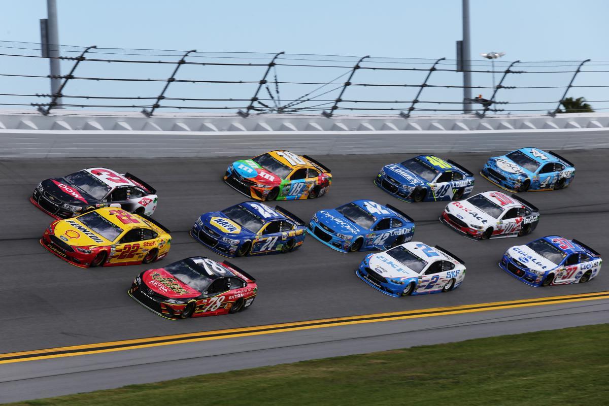 PODSUMOWANIE INAUGURACYJNEGO WYŚCIGU MONSTER ENERGY NASCAR CUP SERIES