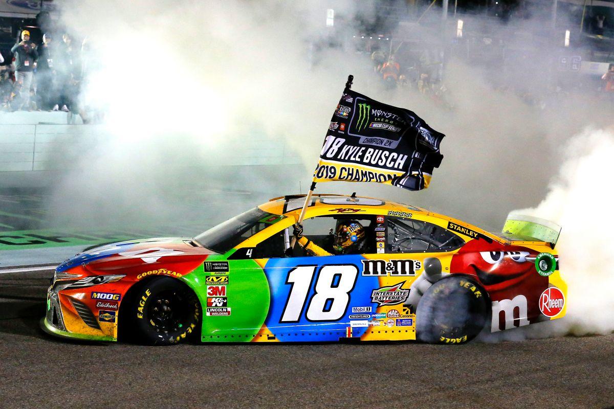 Kyle Busch z drugim tytułem mistrzowskim NASCAR Cup Series